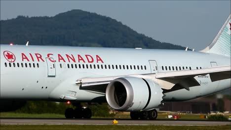 AC-Boeing-787-Landing