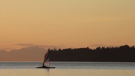 Bay-Sunset-and-Boat