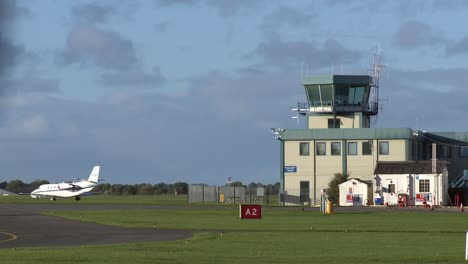 Air-Traffic-Control-Tower