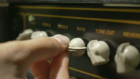 Bass-on-a-Guitar-Amp