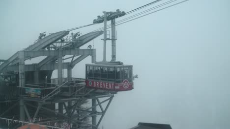 Ski-Lift-Leaving-Platform