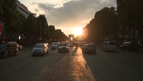 Champs-Elysees-Avenue