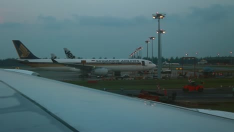 Airplane-Taxiing-at-Changi-Airport