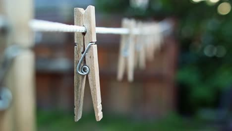 Clothes-Pin-on-a-Laundry-Line