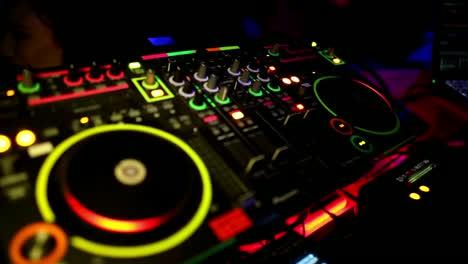 DJ-Decks-Cutaway