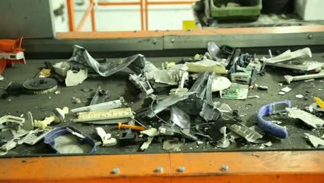 Electric-Waste-on-Conveyor-Belt-1