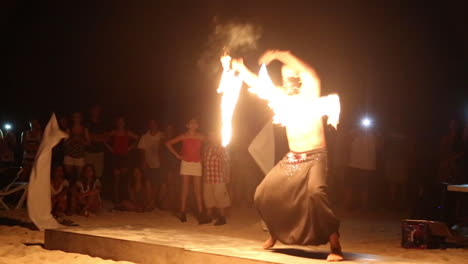 Fire-Dancer-in-Mexico