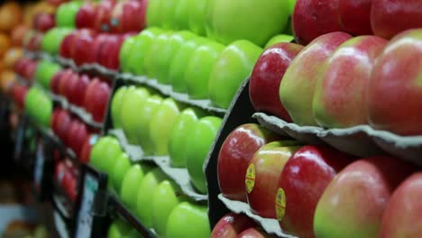 Food-Market---Apples-2
