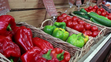 Food-Market---Peppers