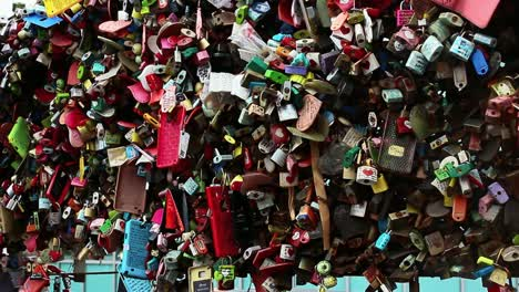 Love-Padlocks---Nam-Sang-Tower-Korea