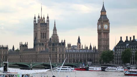 Houses-of-Parliament-London