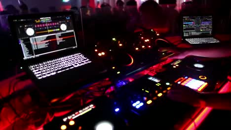 DJ-Set---Nightclub