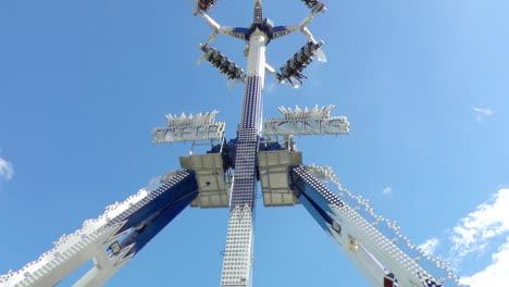 Futuristic-Fairground-Ride-Spinning