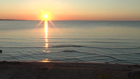Morning-at-the-Beach-on-Lake-Michigan