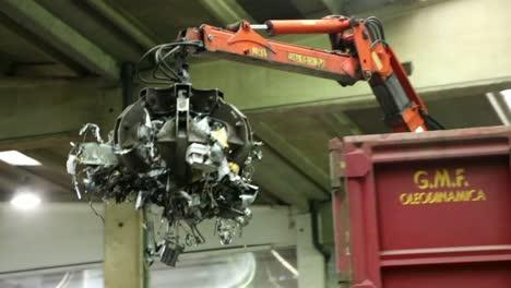 Mechanical-Claw-Closeup-