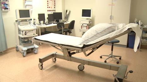 Empty-Hospital-Room