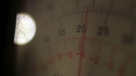 Meter-2-Close-Up