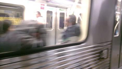 Metrô-Chegando-Subway