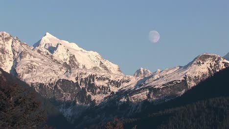 Moon-Over-Mountains