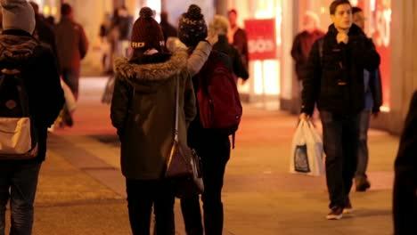 Pedestrians-in-Town-at-Night-Oxford-UK