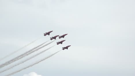Red-Arrows-Slow-Motion