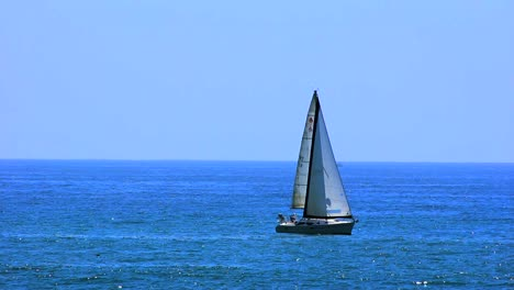 Sailing-Santa-Monica-Beach