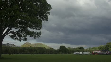 Timelaspe-of-The-Meadows-in-Edinburgh-showing-Arthurs-Seat