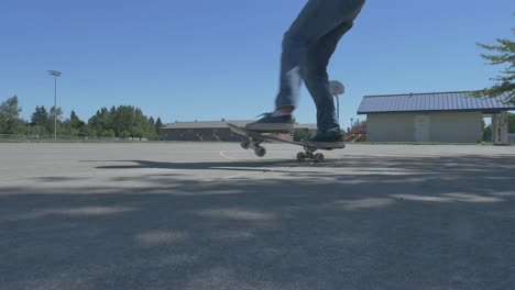 Skateboard-Spin-Close-Up-1