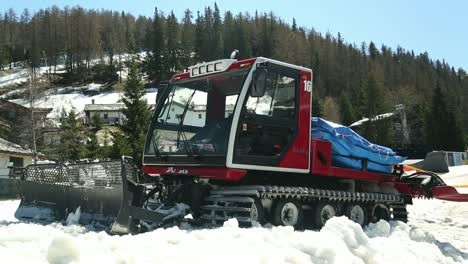 Snow-Plow-in-the-Alps