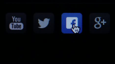 Social-Icons-on-Screen
