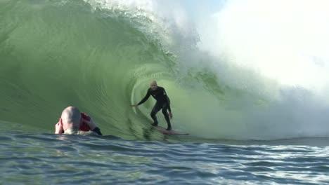 Surfista-En-Ola