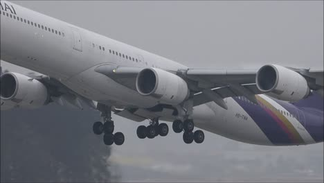 Thai-Airways-A340-Taking-Off
