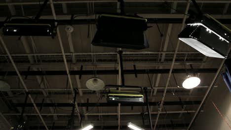 TV-Studio-Lighting:-Grid-(Tilt)