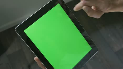 Tablet-Scrolling-for-Chroma-Key-4K
