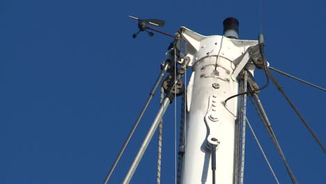 Top-of-Yacht-Mast