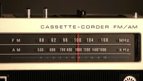 Vintage-Radio-Scanning-Frequencies