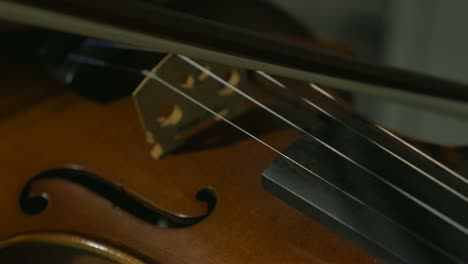 Violin-Bow-1-UHD