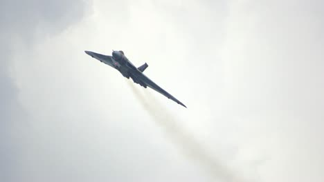Vulcan-Bomber-Slow-Motion