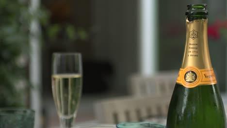 Champagne-Bottle-&-Glass-Pull-Focus-
