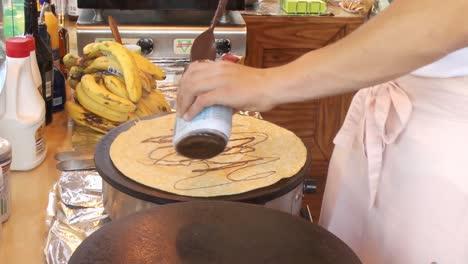 Man-Bakes-Crepes