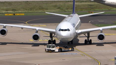 Lufthansa-Aircraft-Being-Positioned