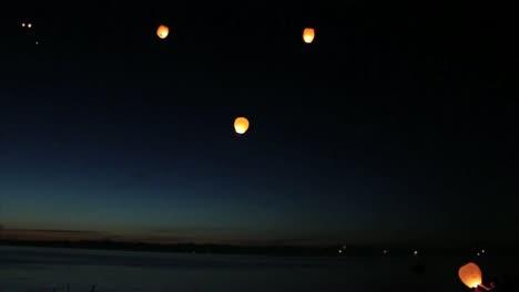 Sky-Lanterns-(Chinese-Paper-Lanterns)