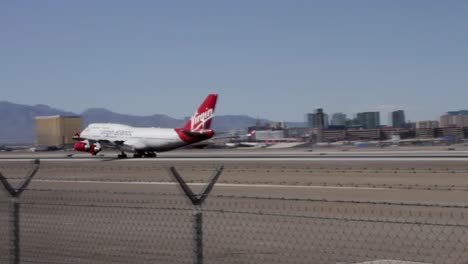 Boeing-747-Airplane-Landing-in-Las-Vegas