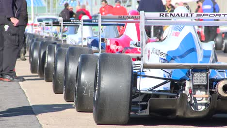 Race-Cars-on-Grid