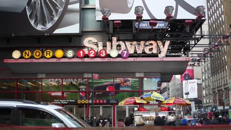 New-York---Times-Square-Subway-Entrance