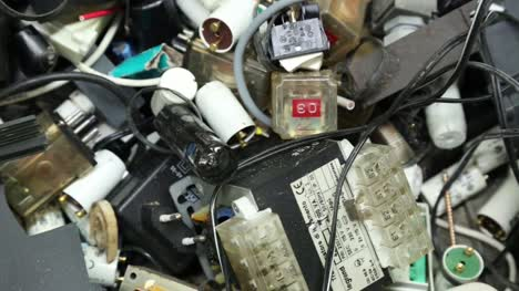 Electronic-Waste---Pan