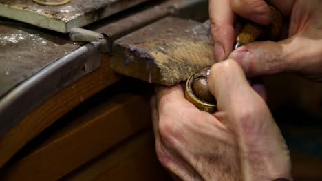 Jewellery-Making---Setting-a-Stone