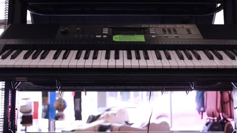 Keyboards-in-Music-Store