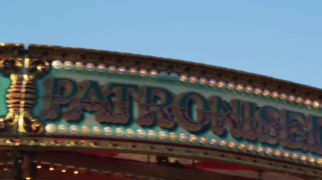 Carousel-Sign