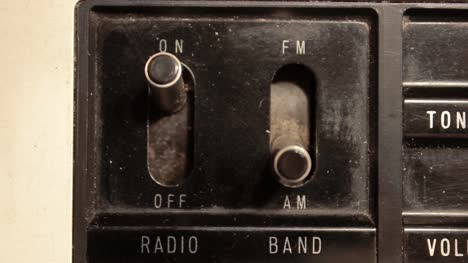 Vintage-Radio-Band-Switches